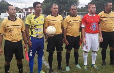 Dos equipos golean en la Liga Ka'arendy