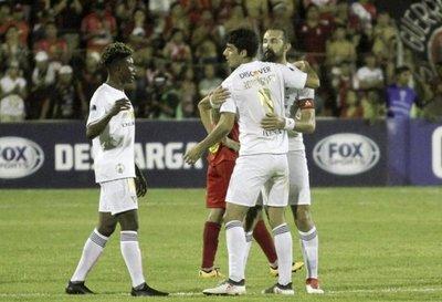 Liga de Quito clasifica pese a derrota