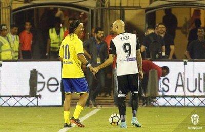Valencia empata ante el Al Nassr