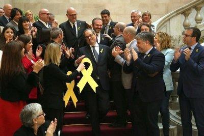 Independentista es elegido presidente de Cataluña