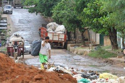 El difícil trabajo del reciclaje en una ciudad desorganizada