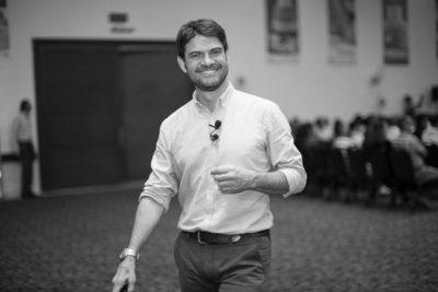 Conferencista internacional brindará charla en el país