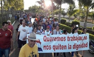 HOY / Trabajadores del Frigorífico Concepción se movilizan con apoyo de autoridades locales