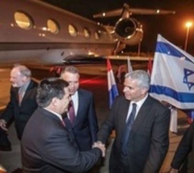 Cartes llegó a Israel para inaugurar la nueva embajada en Jerusalén