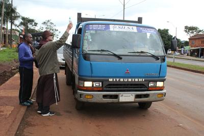 Con bendición de vehículos  instan al manejo prudente
