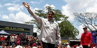 Nicolás Maduro festeja su victoria prevista