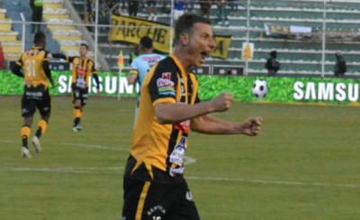 HOY / Strongest gana el clásico con gol de industria guaraní