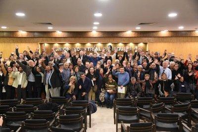 Empresarios, trabajadores y jubilados, contra el Gobierno