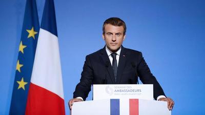 Mario Abdo Benítez recibió saludos de Emmanuel Macron