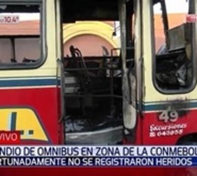 Susto tras incendio de un ómnibus en Luque