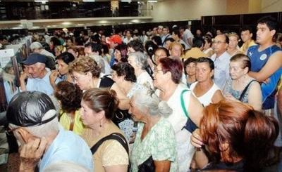 HOY / Jubilados del sector público, a favor de la ley de jubilaciones