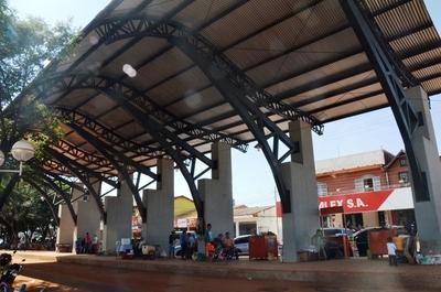 Terminal de ómnibus y aulas para la UNE