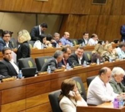 Diputados ratifican un mínimo aumento de impuesto al tabaco