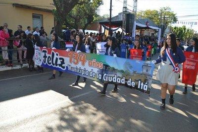 Desfile por aniversario de Itá