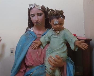 María Auxiliadora cae en plena procesión