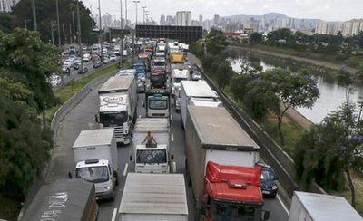 Alivio en Brasil: Gobierno acordó con camioneros una tregua de 15 días