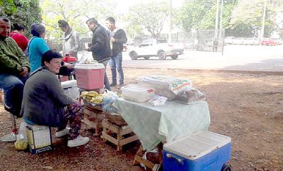 Junta aprueba instalación de casillas de metal frente al hospital de IPS