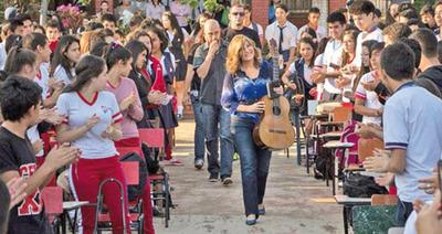 Berta anuncia gira por colegios