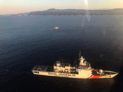 9 refugiados mueren en costa turca tras hundirse su lancha