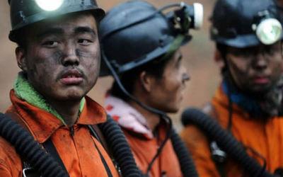 China: 11 muertos y 25 atrapados tras el estallido de un camión con explosivos