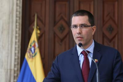 Venezuela responderá a agresiones, advierte canciller