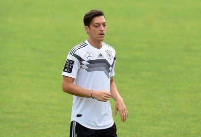Ozil se pierde el último amistoso de Alemania