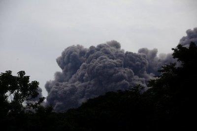 Volcán de Fuego con nueve explosiones por hora