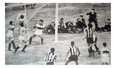 Se cumplen 58 años de la primera final de Copa Libertadores