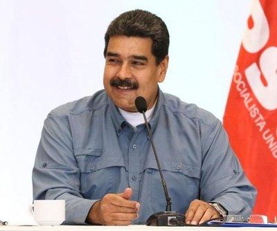 Cría de avestruz, la clave de Maduro para superar la crisis