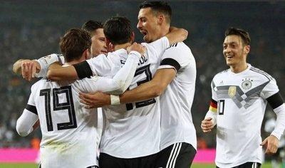 La campeona del mundo examina a México