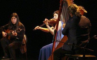 El trío Ysando presenta su segundo disco en Francia