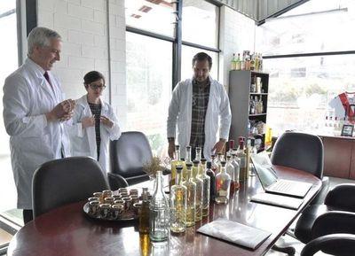 Master Blends, la primera empresa en producir ginebra en Bolivia, se adhirió al Plan Nacional de Empleo