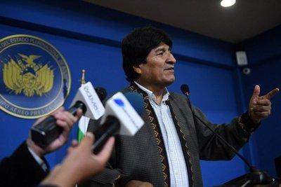 Evo descarta plantear contrademanda a Chile por el Silala