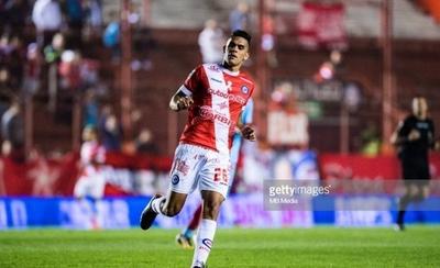 HOY / Cerro trae un defensor colombiano