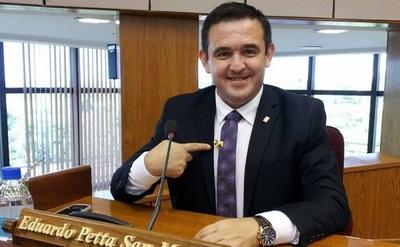 Petta anuncia que será asesor político de Marito