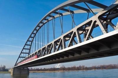 HOY / Paraguay propone que Itaipú financie tercer puente con Brasil