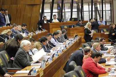 Legisladores podrán jubilarse con solo 10 años de trabajo