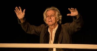 """HOY / El actor cubano Michaelis Cué llega a Paraguay para desplegar su show """"Marx en el Soho"""""""