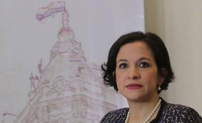 HOY / Duras críticas de la ministra de Hacienda a la jubilación VIP de parlamentarios