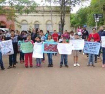 Niños marcharon para exigir que se cumplan sus derechos