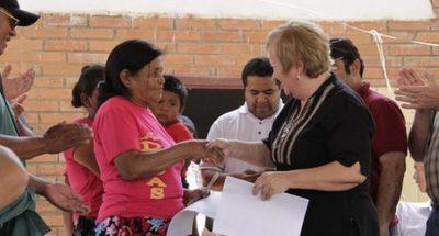 Unas 400 comunidades indígenas se benefician con programas sociales