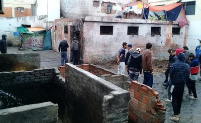"""Las """"celdas de aislamiento"""" del penal de Tacumbú son una auténtica cloaca"""