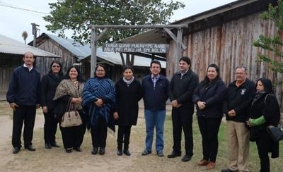 HOY / Ministro de Educación inicia gira para visitar escuelas y colegios en el interior