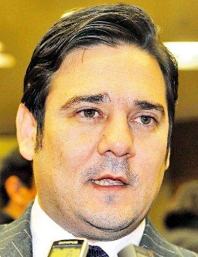 Jueza no envió pedido de desafuero de Buzarquis