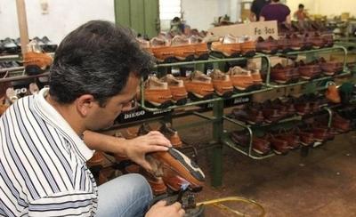 HOY / Zapateros rechazan ingreso masivo de productos 'made in China'