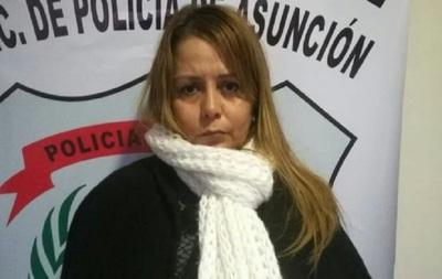 Abogada fue sorprendida robando en un local comercial