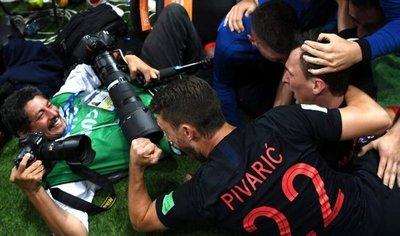 Lo que dijo el fotógrafo que fue aplastado por jugadores de Croacia