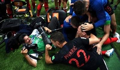 El invitado inesperado en el festejo del gol de Croacia