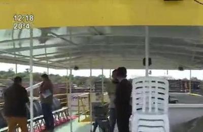 Paseo en catamarán por Villa Hayes