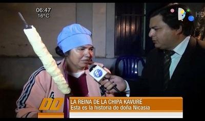 """La """"Reina del Kavuré"""" vende más de 400 chipas artesanales por día"""
